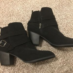 EXPRESS black boots booties size 10